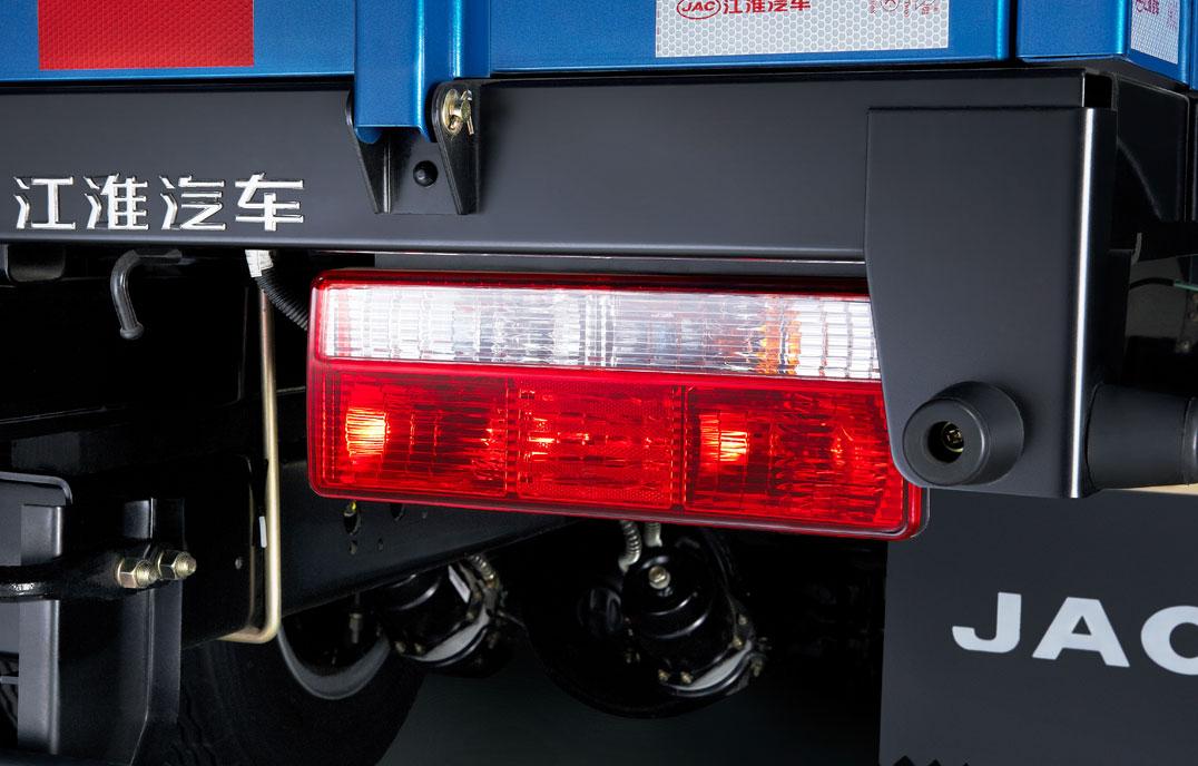NS-XWL4700尾灯
